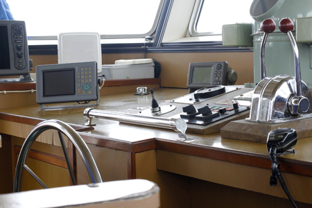 ship's control device of Tug boat