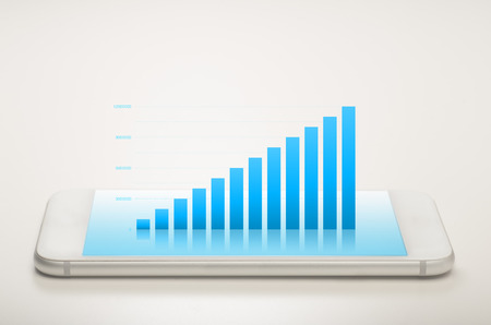 Balkendiagramm auf einem mobilen Gerät zeigt das Wachstum Standard-Bild - 52246309