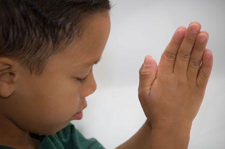 ni�o orando: Orar Boy  Foto de archivo
