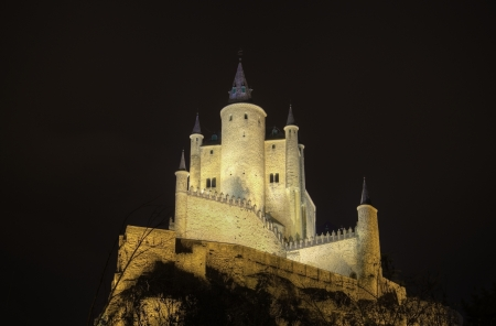 acueducto: Segovia Alcazar Castle at night. Ancient Royal palace in Segovia Spain. Editorial