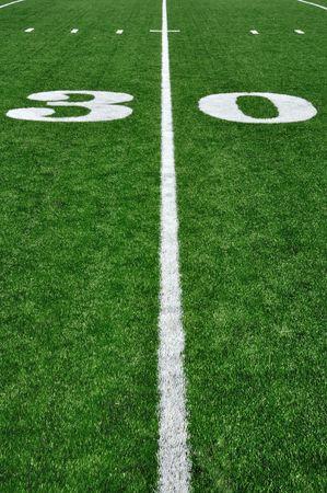 terrain foot: Triage 30 lignes sur un terrain de football am�ricain et les marques de hachage  Banque d'images
