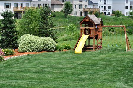 Back Yard houten Swing Set op groen gazon