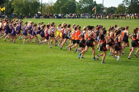 ST. PAUL, MN - SEPTEMBER 25 : The start of the Roy Griak Invitational Cross Country Meet with teams from numerous Minnesota high schools participating on September 25, 2010 in St. Paul, MN Editoriali
