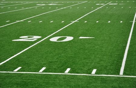 campo di calcio: Linea di venti Yard sul campo di Football americano con Hash marchi