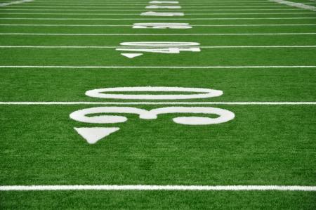 campo di calcio: 30, 40, e 50 Linea Yard sul campo da football americano Archivio Fotografico