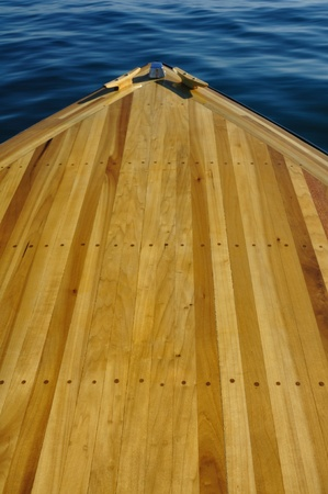 caoba: Madera cubierta de proa Faja del barco de madera con �lamos y caoba