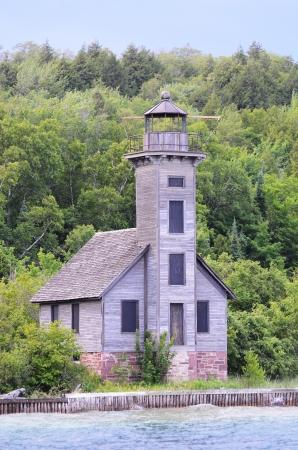 lake michigan lighthouse: Este canal Faro en Grand Island por el Lago Superior Foto de archivo