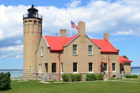 lake michigan lighthouse: Old Mackinac Point Lighthouse en Mackinaw City Michigan, el lago Hurón Foto de archivo