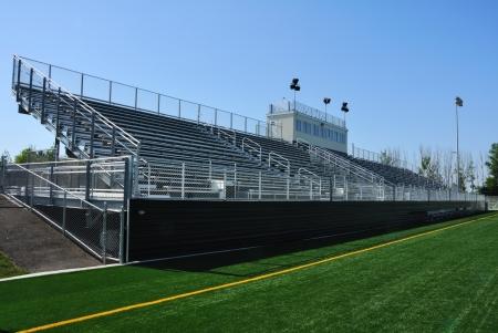 gradas estadio: Gradas del estadio de fútbol de alta escuela americana
