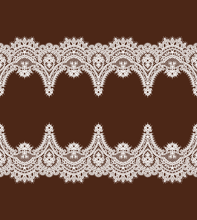 White Lace Vector Pattern. Horizontal Ribbon. Symmetry Border. Vettoriali