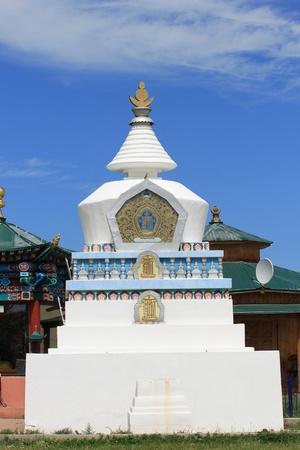 buddhist stupa: Estupa budista  Foto de archivo