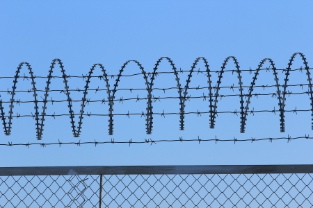 barbed wire Stock Photo - 17663046