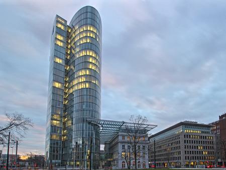 독일 뒤셀도르프의 GAP 15 사무실 건물 스톡 콘텐츠