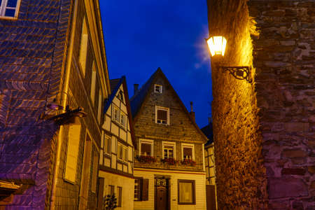 Slate and half-timber facades in the historical center of Essen Kettwig at night Stok Fotoğraf - 151899792