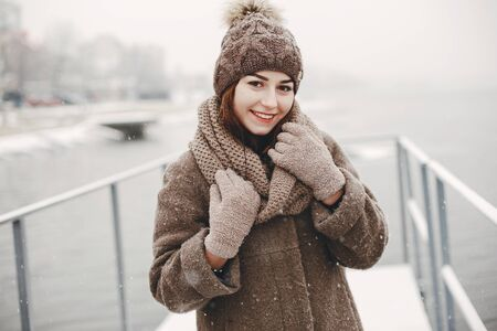girl and snow Imagens
