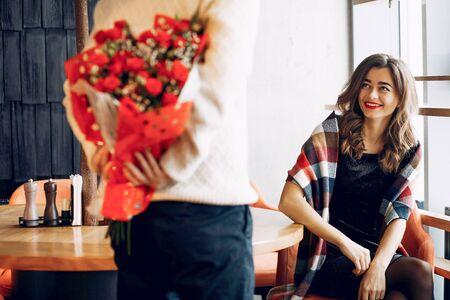 Elegant couple spend time in a restaurant Standard-Bild - 139454077