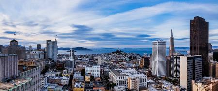 silicio: Paisaje urbano de San Francisco y la bah�a Foto de archivo