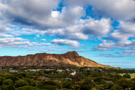 diamond head: Diamond Head State Monument in Oahu Hawaii