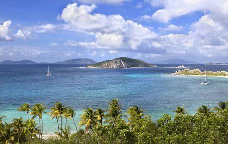 Prachtig uitzicht op de Britse Maagden eilanden.  Stockfoto