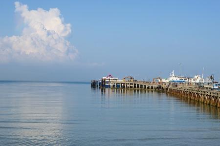 'koh samui': Koh Samui, Thailand - October 25, 2013: view of Nathon town pier with passenger ferry