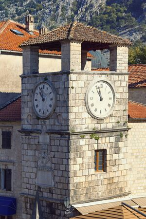 Montenegro.   Tower in Old Town of Kotor -    site Stockfoto
