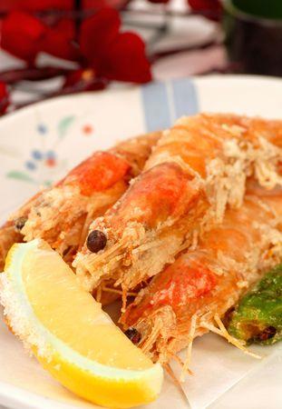 Whole fresh Japanese shrimp tempura with lemon