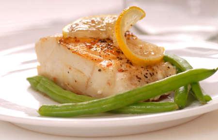 green beans: Filete de bacalao fresco salteados con jud�as verdes y lim�n