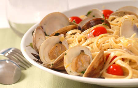 Fresh linguine with clam sauce known as Linguine Vongole 版權商用圖片