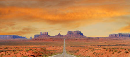 southwest: Landscape approaching Monument Valley in Utah