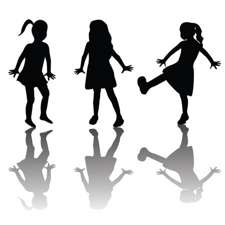 meisje silhouet: Silhouetten van gelukkige jonge geitjes Stockfoto