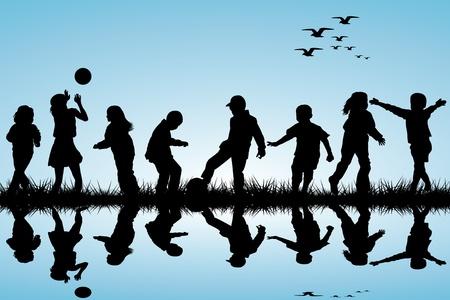 bambini che suonano: Sagome di bambini che giocano vicino a una di acqua