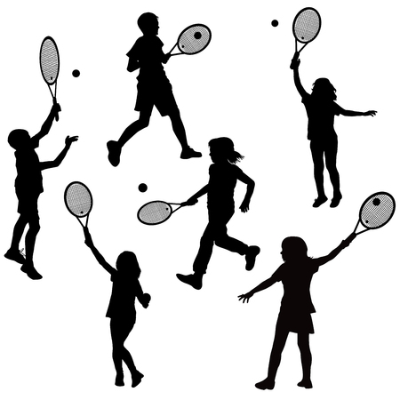 テニスを遊んでいる子供たちのシルエット