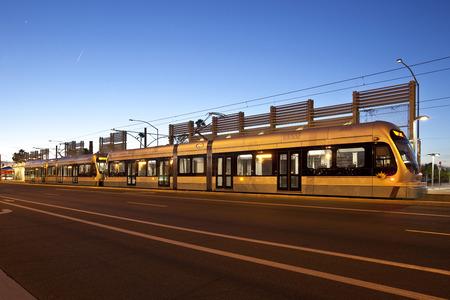 ave fenix: Tren Ligero Transporte