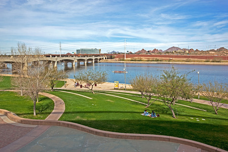 lake shore: Recreation, Relaxation and outdoor activities along the shore of the Tempe Town Lake in Arizona