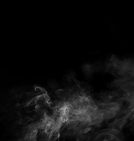 El humo abstracto se mueve sobre un fondo negro Foto de archivo - 45619101