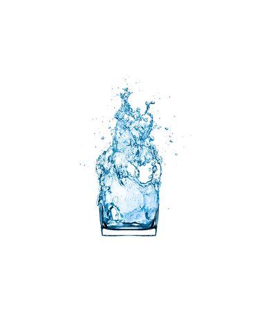 water splash drinking glass isolated on white background. Foto de archivo - 127337970