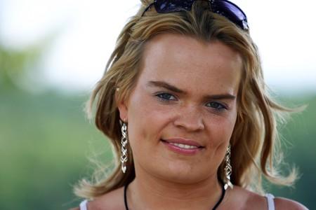 mujer fea: feo hijo modelo