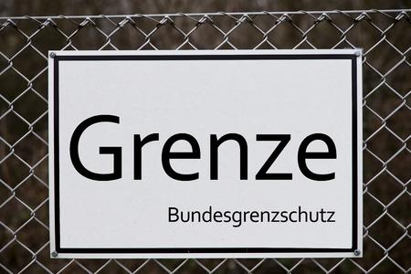 rebuild: GERMAN BORDER - FENCE REBUILD - Symbol