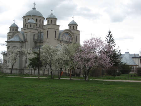 fidelidad: Old church in Romania from ancient times, still standing up. Foto de archivo