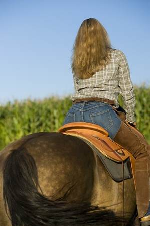 cowgirls: riding