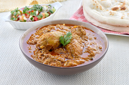 Leckeres spezielles Hühnchen Korma