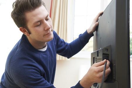 télé: Télévision Ingénieur Installation d'un nouveau téléviseur à la maison