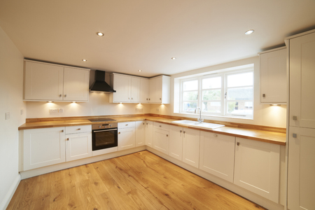 extractor: Beautiful Fitted Kitchen In Modern House