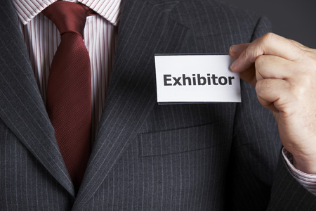 expositor: Empresario Colocación Insignia Expositor Para Jacket