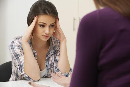 adolescente: Adolescente Visitante Consejero para tratar la depresión