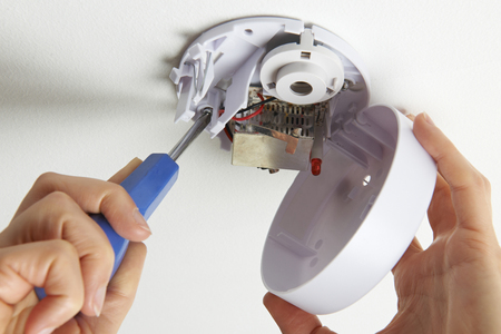detector: Installing Smoke Detector At Home
