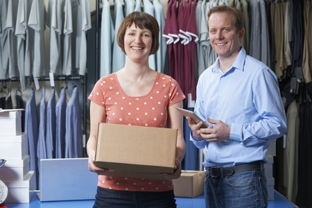 sale shop: Couple Running Online Clothing Business