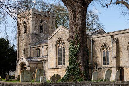 Alwalton, Peterborough / United Kingdom - 03/31/2019: St. Andrew's Church in Alwalton Stockfoto