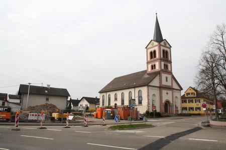 redesign: Sandweier village square under construction