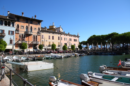 garde: Desenzano, lake garde, old harbor